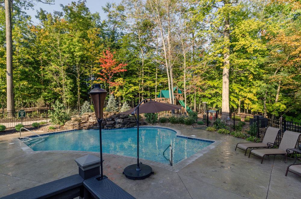 North Royalton Garden – Ohio Valley Landscaping