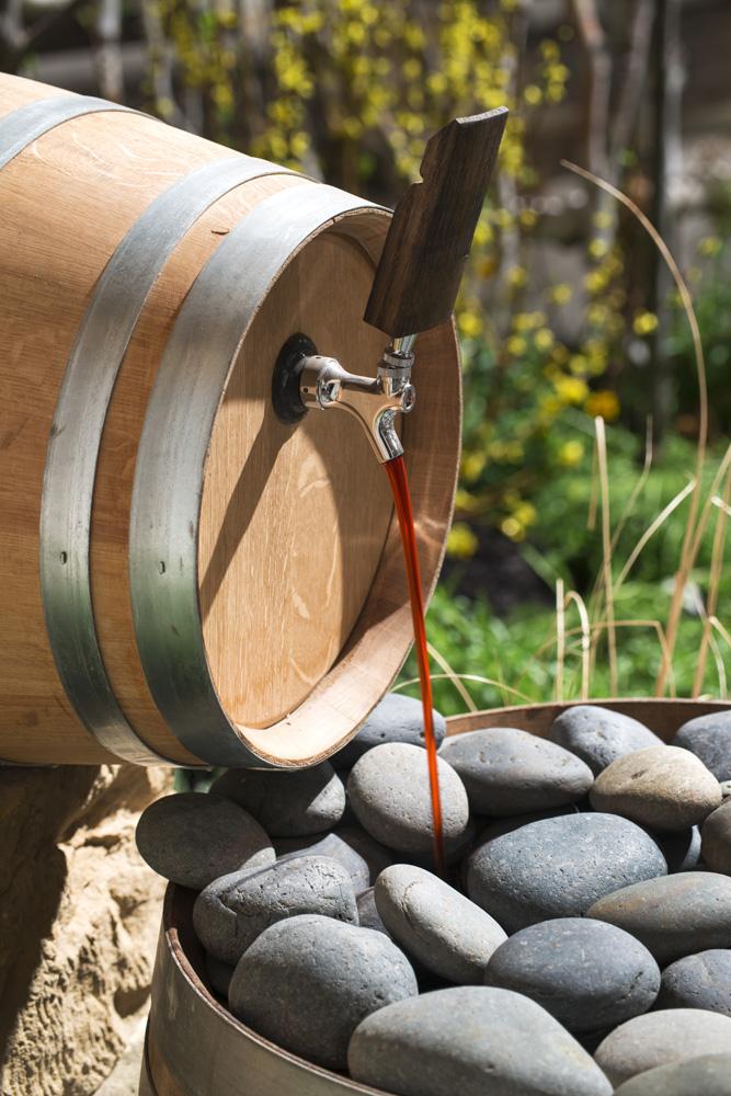 Barrel water feature